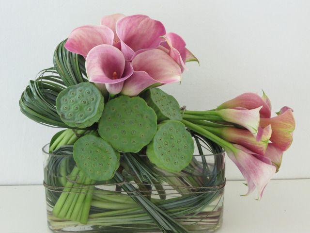 Stunning calla lily ikebana arrangement