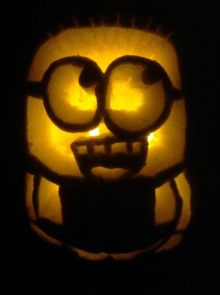 Minion pumpkin in the dark :)