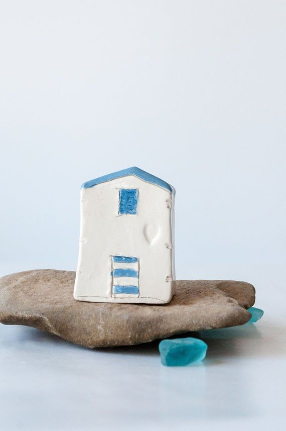 Best Summer Beach House Handmade Ceramic Miniature White 400 x 300
