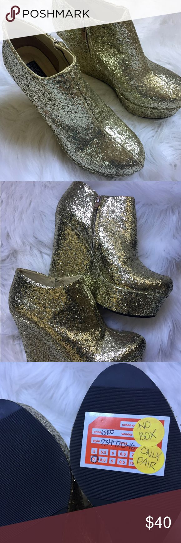 UO Deena & Ozzy Gold Glitter Platform Booties Deena & Ozzy Gold Glitter Platform Booties from Urban Outfitters. Size 8. Never worn. Bought without box. Deena & Ozzy Shoes Ankle Boots & Booties