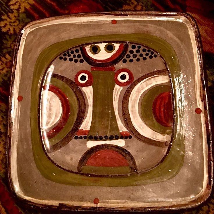 Hkbg Rolf Hansen Keramikk inspirert av Arne Lindaas ? #hkbg ##rolfhansen #rolfhansenkeramikk #scandinavian #design #pottery #keramikk #plate #ceramics #kongsberg #artist #face #skandinaviskdesign #art #artista #artesania #cara #ansikt #abstract by markus1313