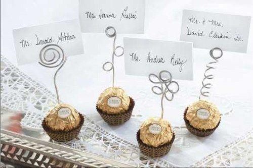 Marque-place avec des Ferrero Rochers.
