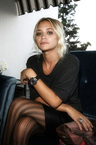 love the tights and the girl.: Fashion, Style, Clothing, Leather Skirts, Outfit, Ashley Olsen, Ashleyolsen, Tights, Olsen Twin
