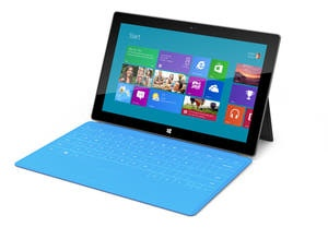 Surface RT, la nueva tableta de Microsoft, con cover con teclado táctil y pedestal retraíble.