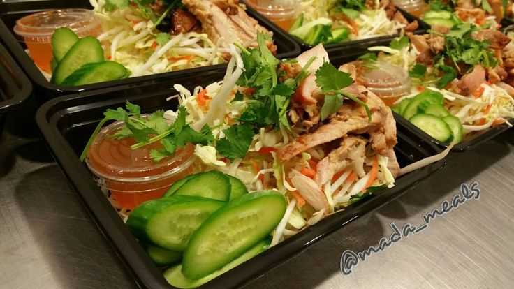 """""""Vietnamese noodle salad with sweet 'n sour broiled chicken baby cucumbers and bean sprout slaw.  #madameals #sacramento #cityoftrees #gourmet #tasty #food #foodie #convenient #variety #mealprep #preparedmeals #tastingmenu #notyouraveragemealprep #farmtofork #truecooks #personalchef #delivery #supportlocal #trifecta #sacpeeld #midtownjerkyco #rueandforsmanranch  #cityoftees"""" @mada_meals"""