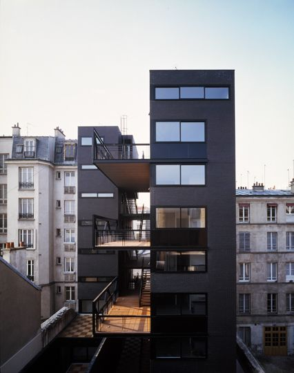 26 housing units for post office employees in Paris by Philippe Gazeau #architecture #facade