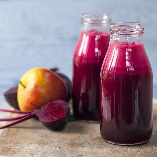 Smoothie recipe for today: 2 carrots, 1 whole beetroot with greens, 1 apple,  1 handful of watercress.
