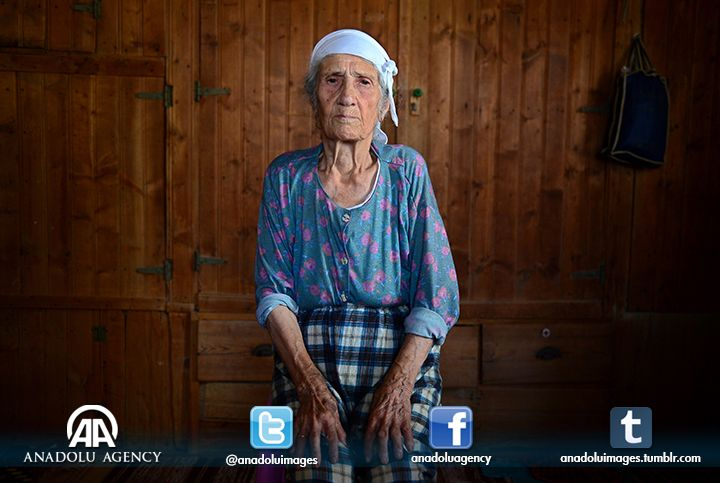 101-year-old Emine Demirel lives in Aydin's Nazilli district.
