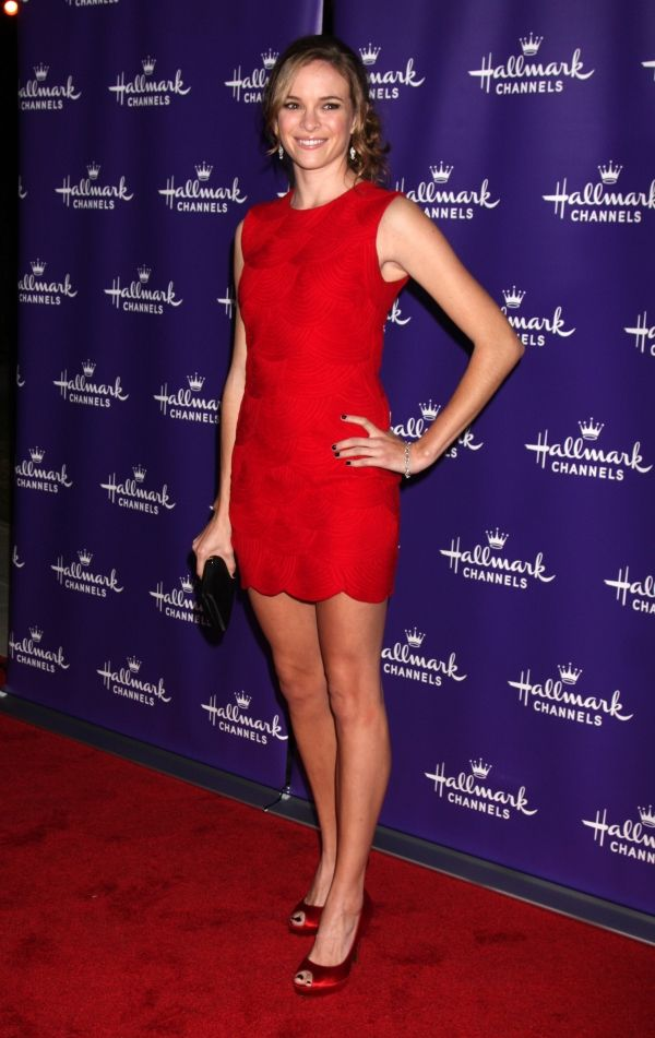 Danielle Panabaker Shoe Size