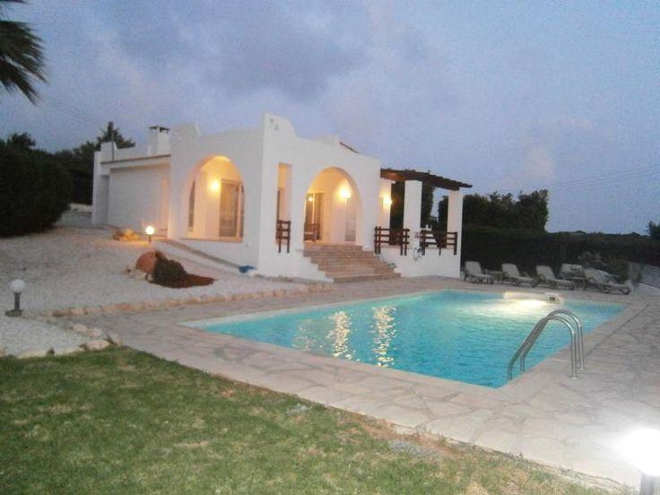 Evening view of Villa Calypso