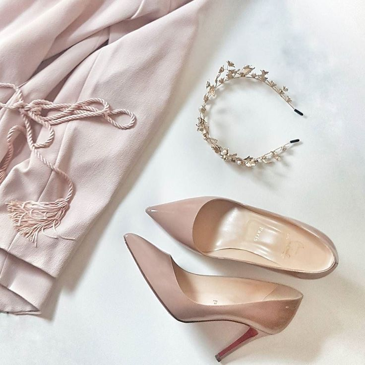 """Who else loves this colour palette?  styling some fashion essentials with my new piece """"Delphine"""" this morning. See stories for a close up of her"""