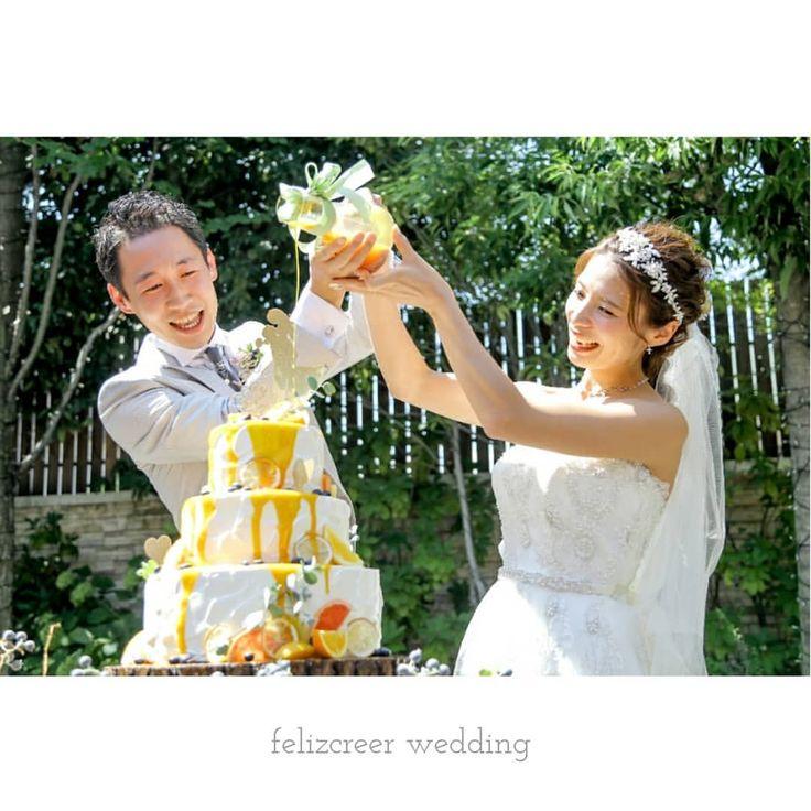 今花嫁さんたちに人気の『カラードリップ』 ウェディングケーキにキャラメルやマンゴーのソースをかけてケーキを完成させます。 真っ白なケーキがソースに染まる瞬間はみんなわくわく♪ 世界にひとつだけ、ふたりのウェディングケーキです。 . . #ウェディングケーキ #カラードリップケーキ #カラードリップ #キャラメルソース #ケーキ演出 #結婚式演出 #人気 #トレンド #ウェディングケーキデザイン #ケーキトッパー #ケーキ入刀 #ファーストバイト #ガーデンウェディング #新郎新婦 #ウェディングドレス #貸切ウェディング #邸宅ウェディング #ナチュラルウェディング #ゲストハウスウェディング #オリジナルウェディング #長野結婚式 #塩尻結婚式 #プレ花嫁 #プレ花嫁準備 #結婚準備 #結婚式場探し #フェリスクレール #ワーキング花嫁 #全国のプレ花嫁さんと繋がりたい #日本中のプレ花嫁さんと繋がりたい