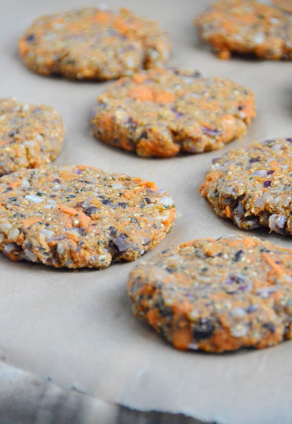 Sweet Potato Veggie Burgers -- vegan, gluten-free and a great option for food prepping for the week!