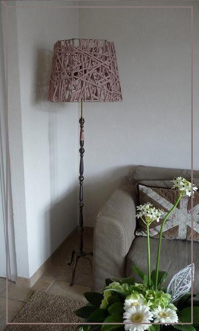 Oude lamp van Kringloop Kap versierd met Zpagetti