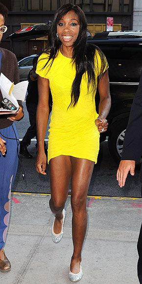 Venus Williams accessorized some nice earrings with this electric yellow dress!