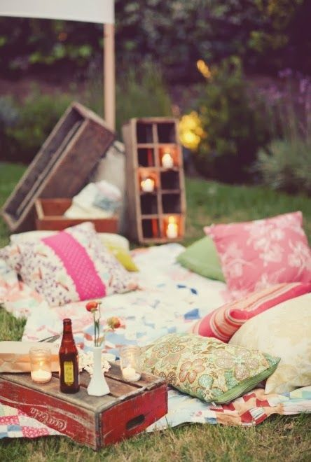 Summer bucket list idea- Have a backyard picnic! #love
