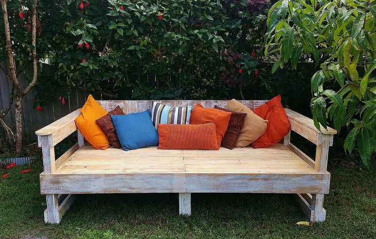 Whitewashed Daybed La Lucie Recycled