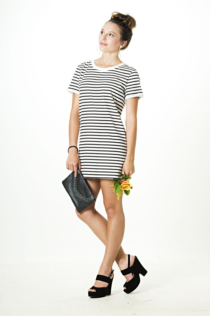 Blurred Lines Tunic Dress is a summer must.  Get yours from www.vanillamayboutique.co.nz