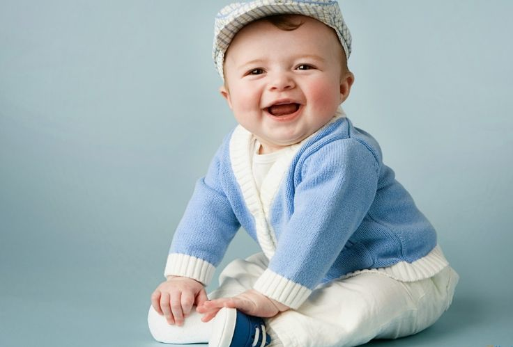 Lovely and Cute Baby Wallpaper HD http://holipictures.com/