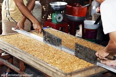Making Mekong Pop Corn