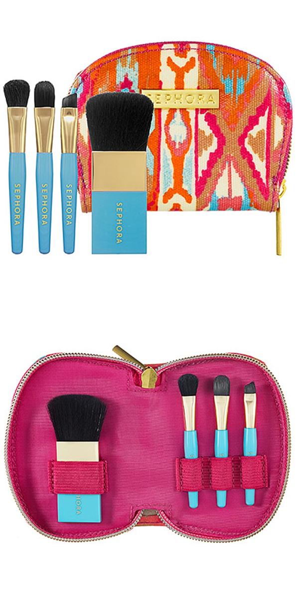 Conjunto de 4 pincéis da Sephora: Práticos para levar na bolsa, contém 1 pincel plano de pó, 1 pincel de sombra, 1 pincel angular para delineador e 1 pincel para lábios. Quanto: US$ 18,00 nas lojas Sephora dos EUA.