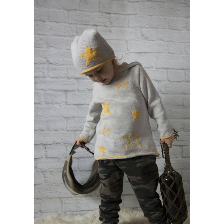 """""""Звездный десант"""".  Для самых боевых девчонок стиль милитари. Подготовка к #бпм2017  И даже в комуфляже девочки остаются девочками.   #elenakhra_knit #детям #вяжу_на_заказ #туника #для_девочки #джемпер #для_мальчика #свитер #милитари #из_хлопка #на_лето #песочница #пейнтбол #для_детей #для_взрослых #девочки_такие_девочки #пуловер #свитер"""