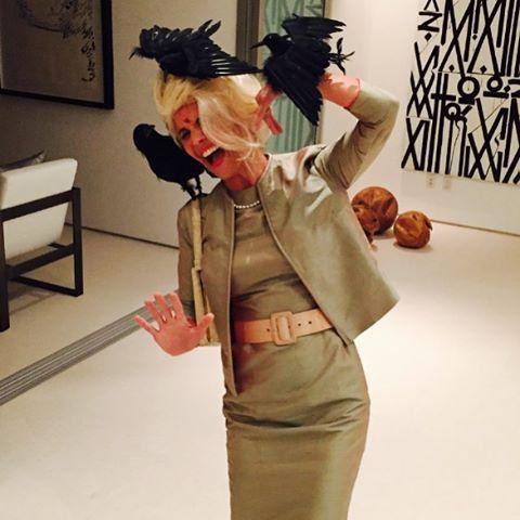 Pin for Later: Elles Se Sont Déguisé en Quoi les Célébrités Cet Halloween? Lori Loughlin