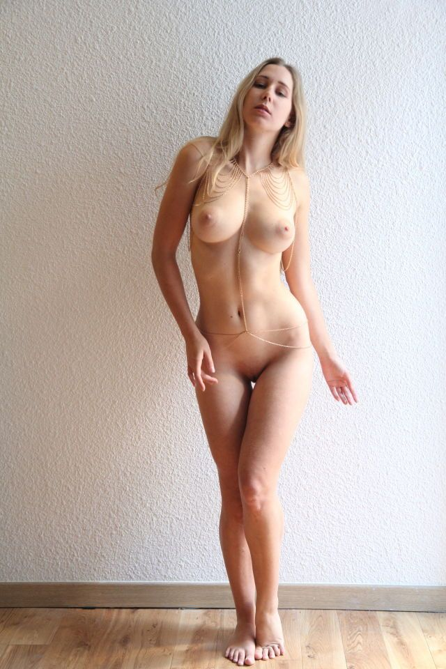 nude women with oversized clit pics