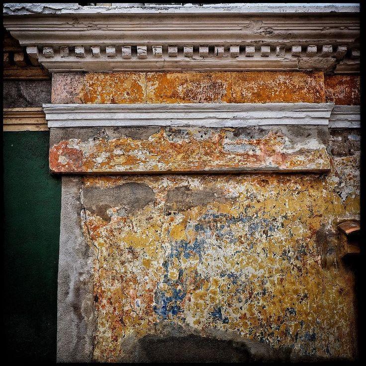 Textures of Xela Guatemala : Olympus EM1 w/14-42mm kit lens :  #explore #TravelPics #travelphotographer #streetphotographer #LatinAmerica #CentralAmerica #Guatemala  #VisitGuatemala #Xela #Xelaju #VisitXela #Quetzaltenango #TravelPhotography #documentary #reportage #photojournalistic #coolpics #StreetPics #ilovexela #VisitGT #WorldTravelIG #travel #textures #grunge #doors #oldwalls #olympus #em1 #em10 #getolympus