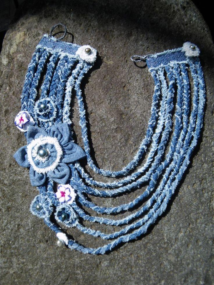Collar de tela vaquera y perlas - Denim and pearls necklace