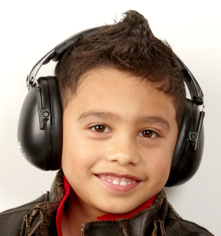 Your child will be a hit in Baby Banz Protective Earmuffs in 'Kiwi Black'! Suitable for 2-10+ years; $44.50 - click here: http://babybanz.co.nz/product_info.php?cPath=156&products_id=749