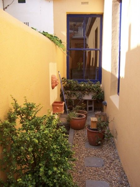 HOUSES4RENT: 2 bed house, renovated, large garage in Woodstock (Upper)