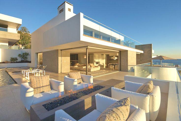 Luxury-Beach-Homes-California-Adelto_00