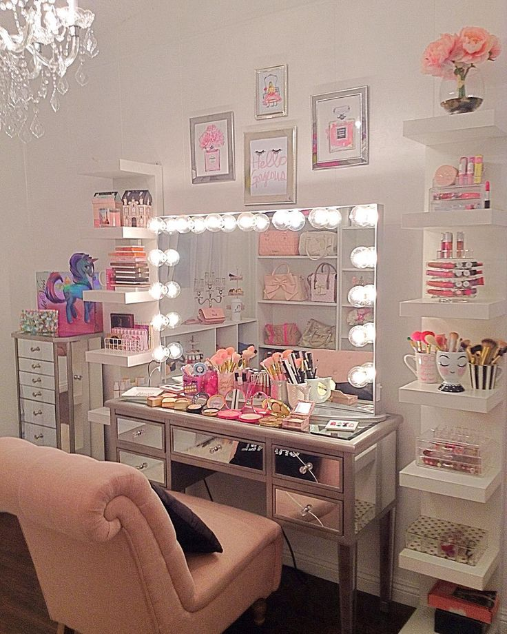 Best 25 Vanity In Closet Ideas On Pinterest: Best 25+ Makeup Tables Ideas On Pinterest