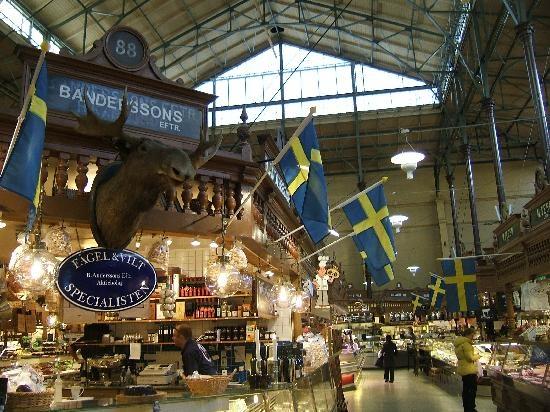Salu Hall, mercado - limpo, lindo e organizado. Reserve um dia para almoçar aqui. > Nybrogatan, 3.