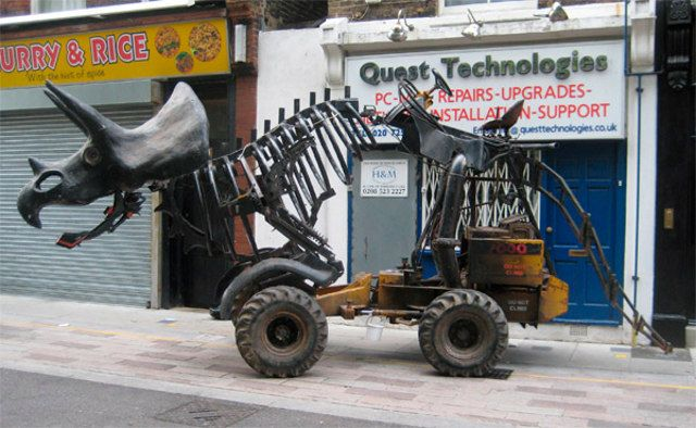 triceratops-tractor-1.jpg