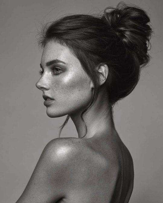 Celine Bethmann von Tobias Dick