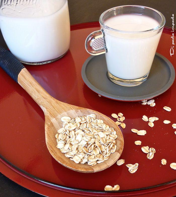 Di pasta impasta: Latte di avena fatto in casa (versione rapida)