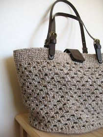 I am pleased to be able to share with you  my new bag :)  This is the second 'seaside tote' I have made. This one is made using 1 strand of...