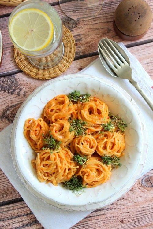 Parmezánszószos spagetti zsázsával recept