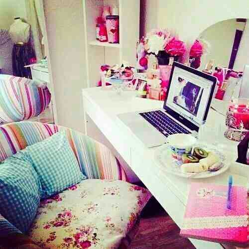 Cute Girly Desk For Bedroom #tumblr