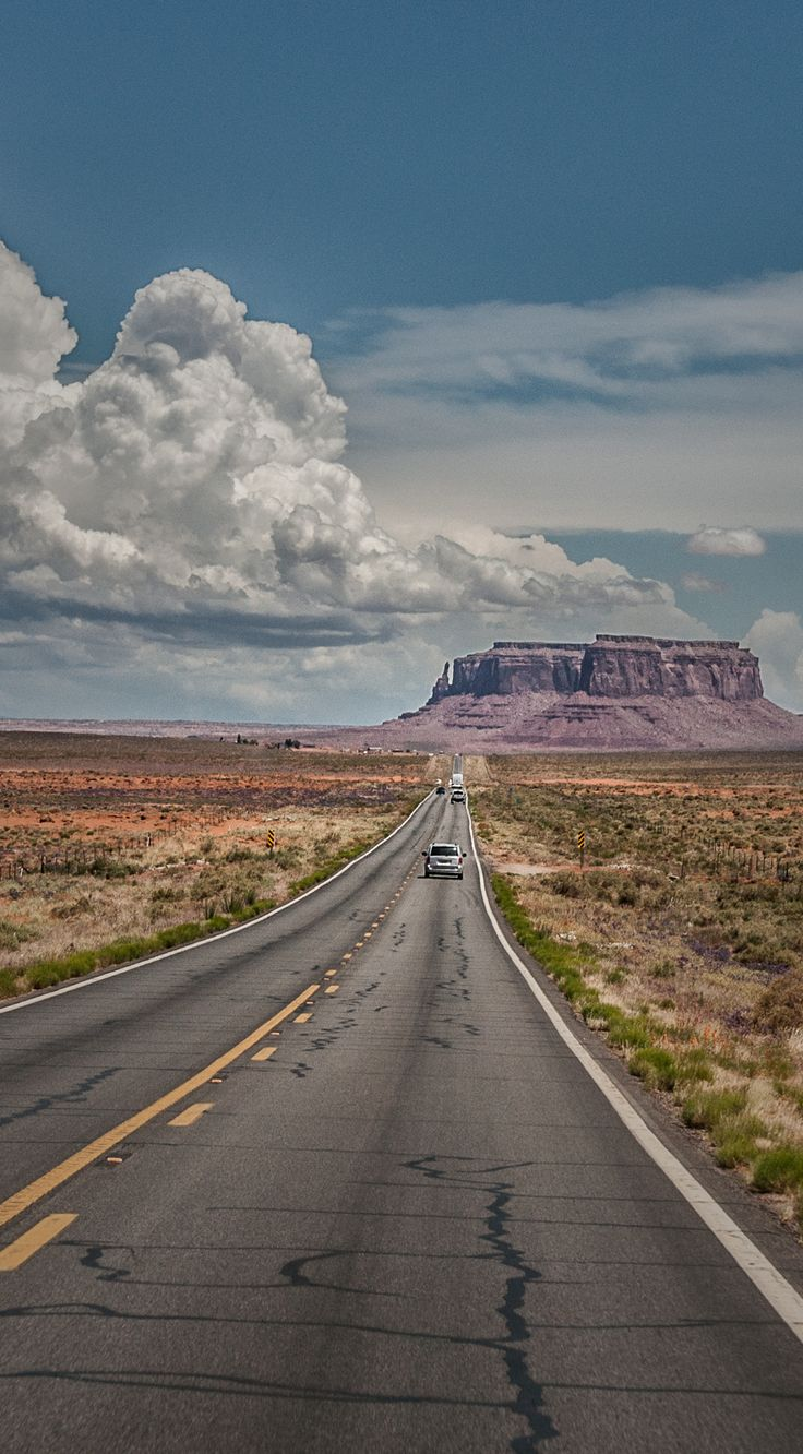 Road Trip - The highway to Monument Valley.