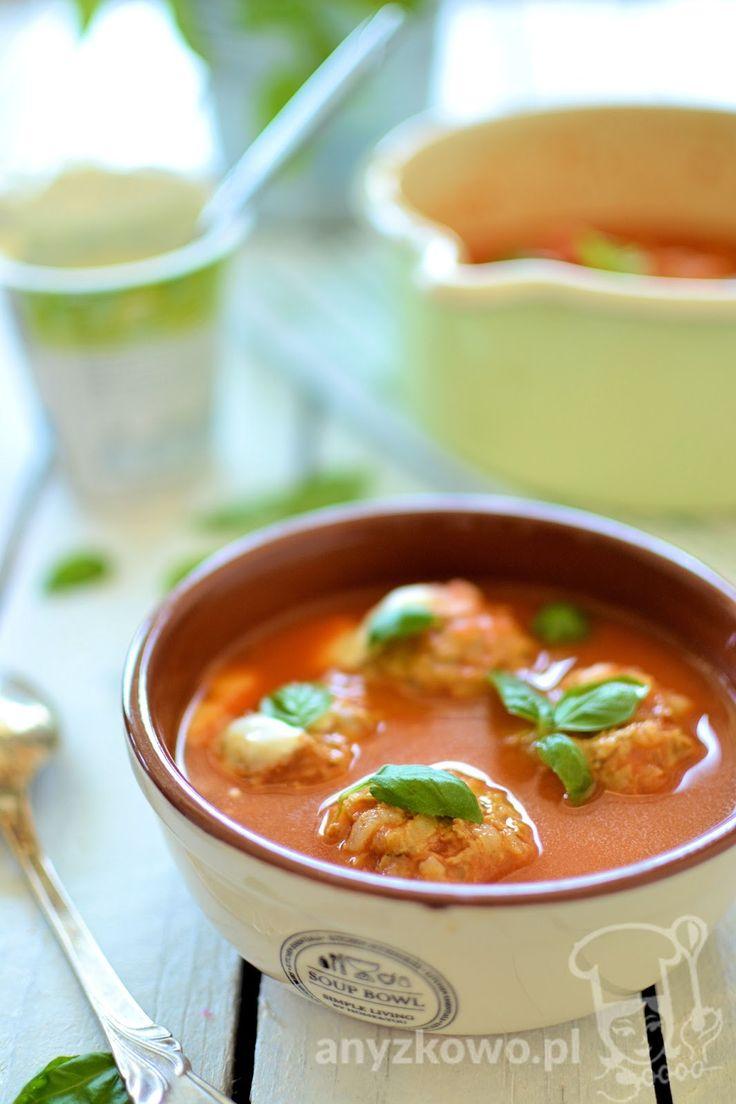 Anyżkowo: Kremowa zupa pomidorowa z pulpecikami