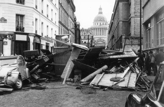Barricade de la rue d'Ulm, devant l'École normale supérieure en mai 68