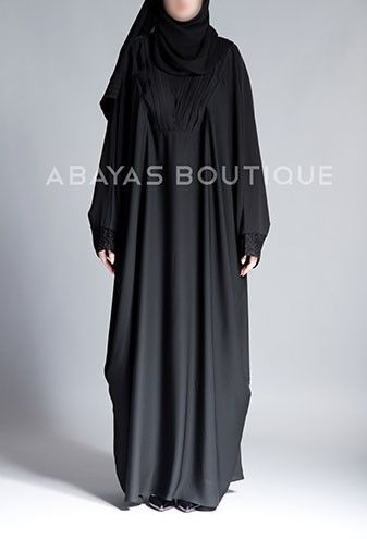 Butterfly abaya a simple yet elegant design with pleated neckline. Very suitable for Umra and Hajj.