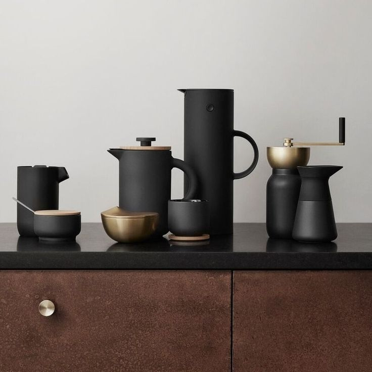 A new addition to the award winning Stelton Theo collection design by Francis Cayouette. The Theo french press coffee maker combines Scandinavian and Asian ultures in a sophisticated way. The beautiful contrasts have been designed to stimulate the senses with the matt black stoneware and shiny internal black glaze, the lid is wooden giving a modern rustic, yet elegant feel to this simple designed coffee press. There is an intergrated drop - free function in the lid to avoid any unnecessary…