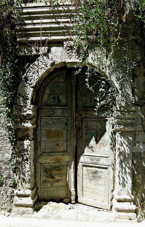 Door in the old town of Rethymnon, Crete Island, Greece (by Eleanna Kounoupa (Melissa) on Flickr)