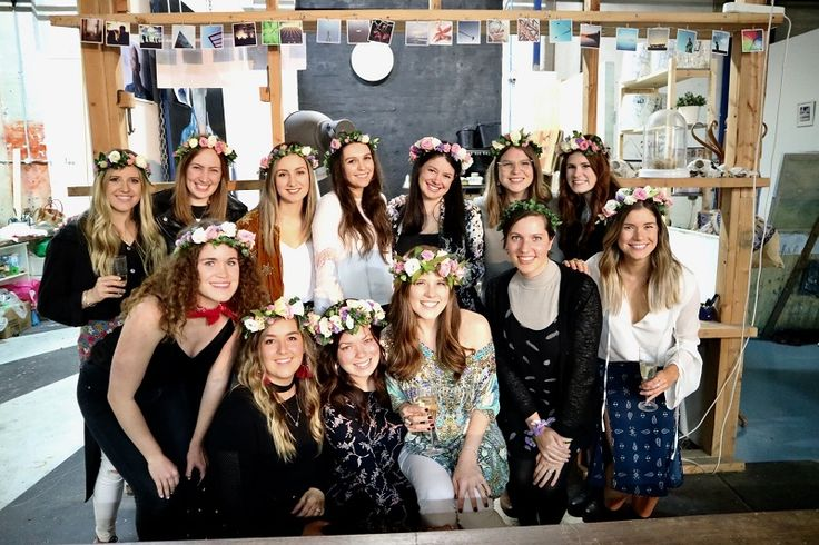 Legendary floral head piece making workshop for a hen party #sydneyhens #flowercrowns