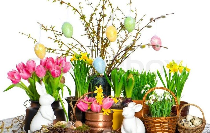 Discover 31 Beautiful Easter Flower Table Arrangements. Colorful flower arrangements can make your Ester decoration more attractive. Have a look at these beautiful Easter inspirations.