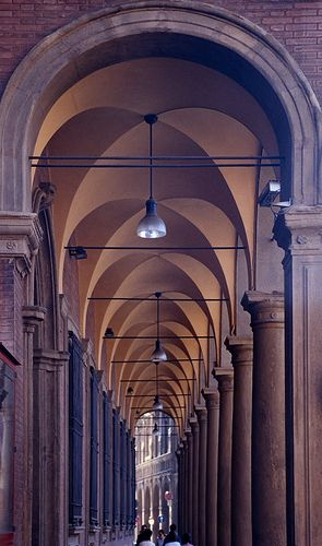 Porticoe (arched walkway), Bologna, Italy | Gerhard Wickler on flickr